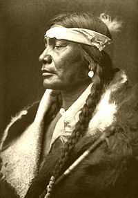 200px-Edward_S__Curtis_Collection_People_013.jpg