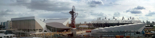 800px-London_Olympic_Park_from_John_Lewis.jpg